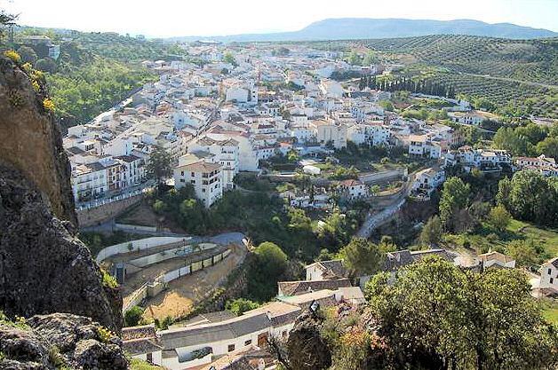 Almedinilla - a whitewashed village in southern Spain